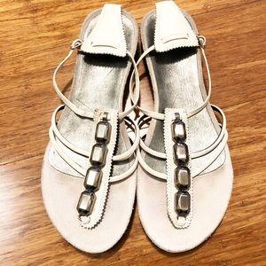 Nine West white leather thong jeweled sandals. 9